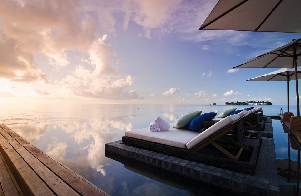 Jumeirah-Dhevanafushi-Johara-Pool1-e1375267836480-1024x669